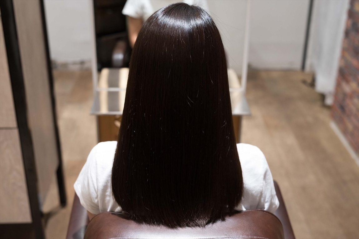 髪質が改善されると髪が自然なストレートヘアになる