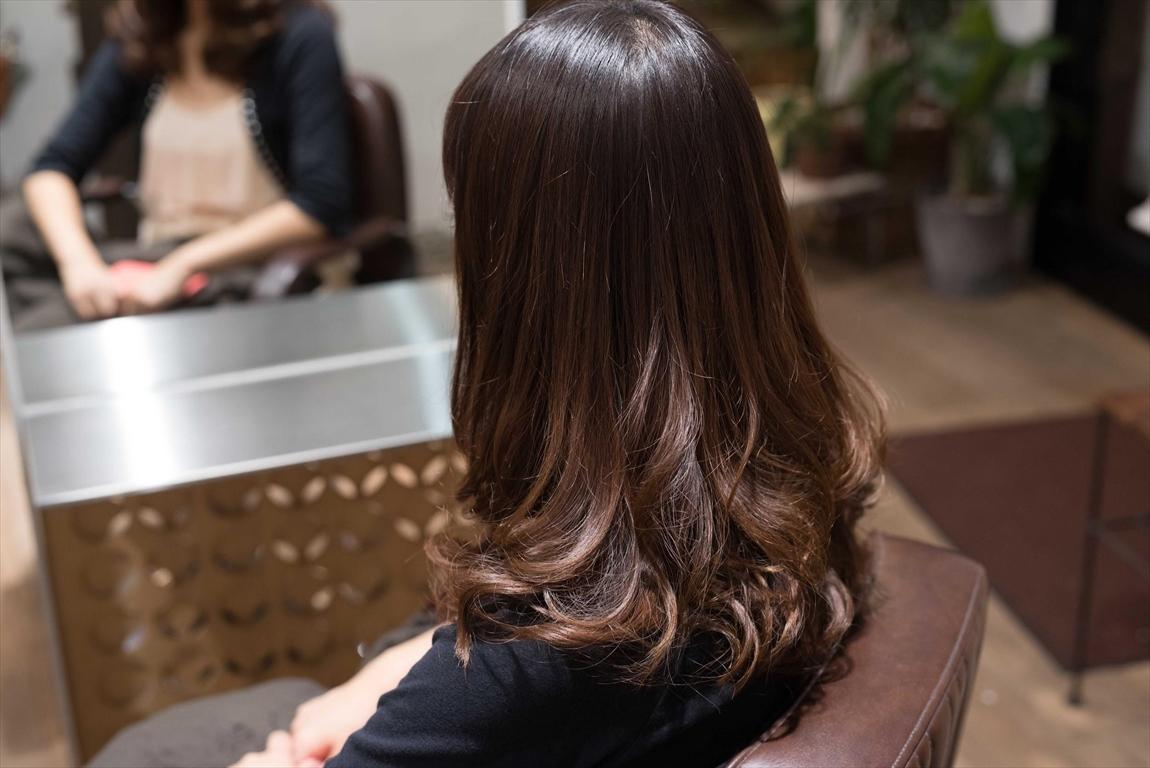 髪質が改善されるとパーマのあたりが弾むようなカールが形成される