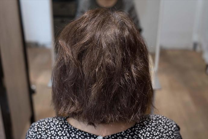 髪がパサつく