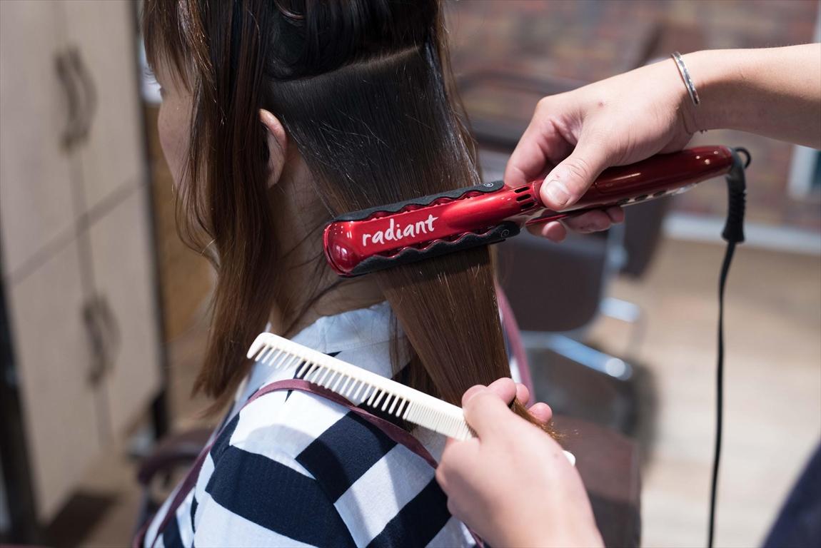 髪に美髪の潤いを保持させるシルク性アイロン|DRANのこだわり