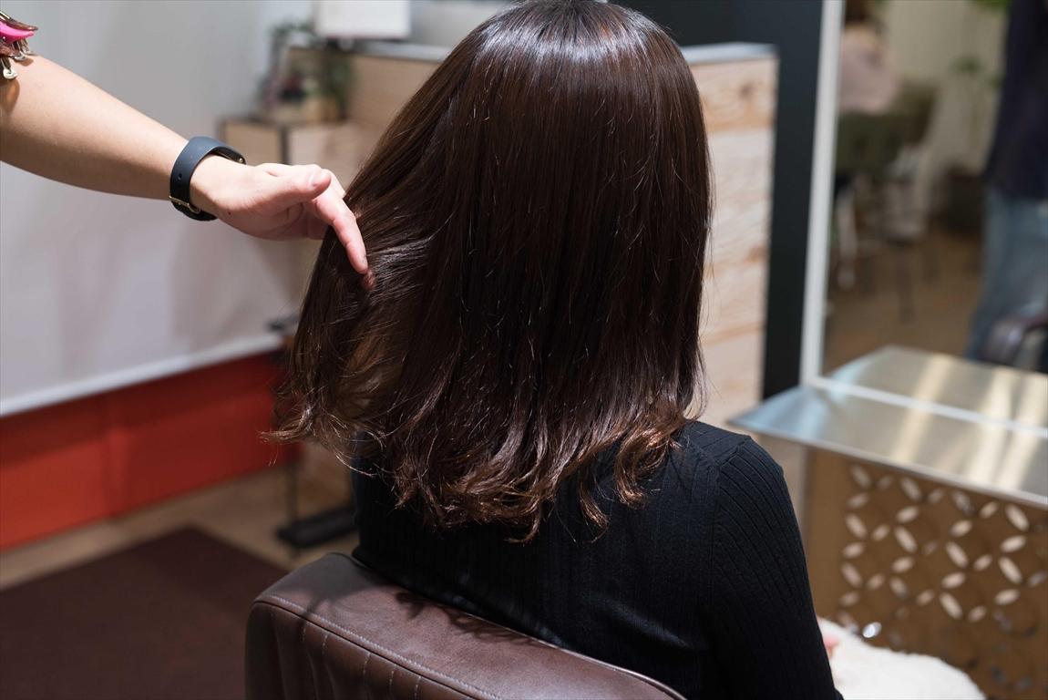 デジタルパーマによる髪質改善パーマで弾力のあるカールを実現